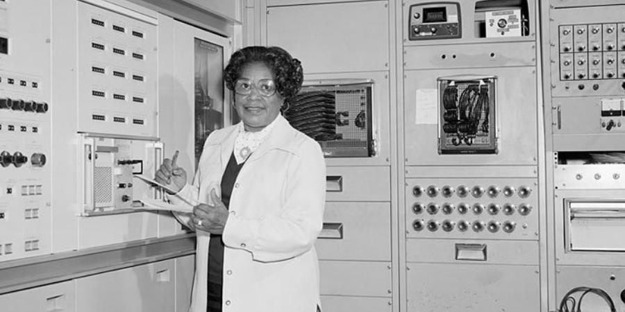 Dorothy Vaughan on IBM NASA Computer